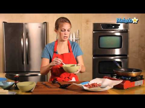 How to Make Scrambled Eggs with Bacon and Cheese