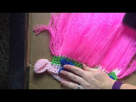How to brush out yarn on troll hat