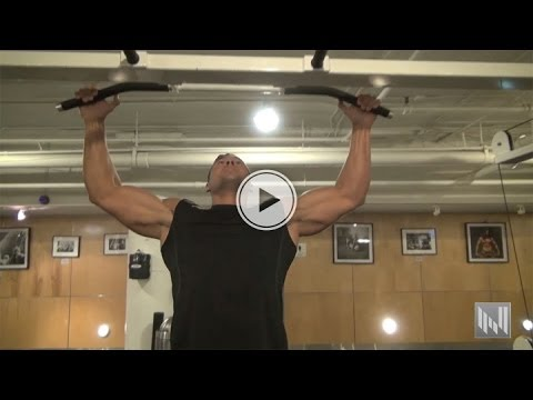 Isolating Your Lats During Pull Ups For A Wide Back - Muscle Building Workout Tip