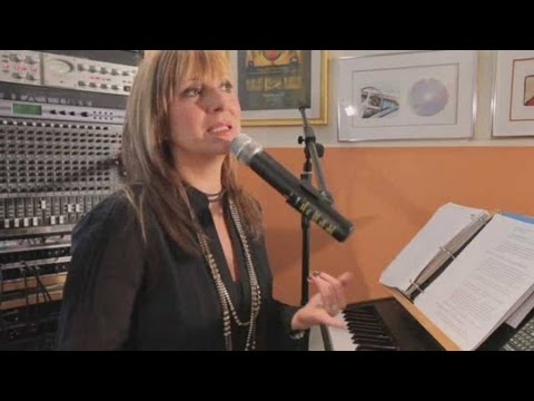 How to Keep Your Voice Healthy | Vocal Lessons