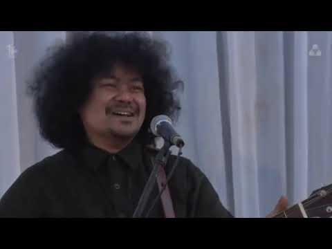 Download Iwan Fals x Syarikat Idola Remaja - Guru Oemar Bakrie Konser Coretan Musafir MP3 Gratis