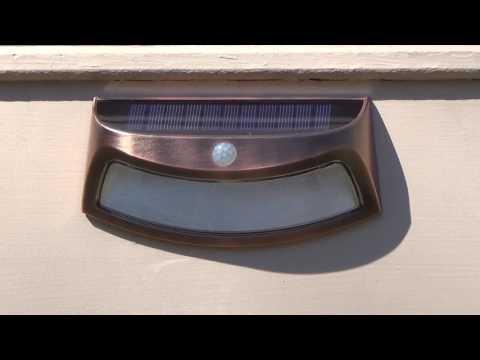 Glisteny Solar Light Review