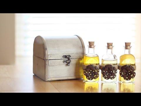 DIY Body Oils for Toning, Moisturizing & Soothing Skin