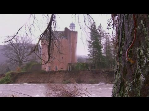 Scottish castle under threat from floodwaters