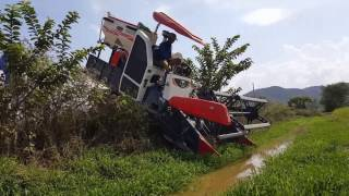 World Most Amazing Modern Agricuture Heavy Equipment - Amazing Tractor Fails, Tractor Stuck In Mud