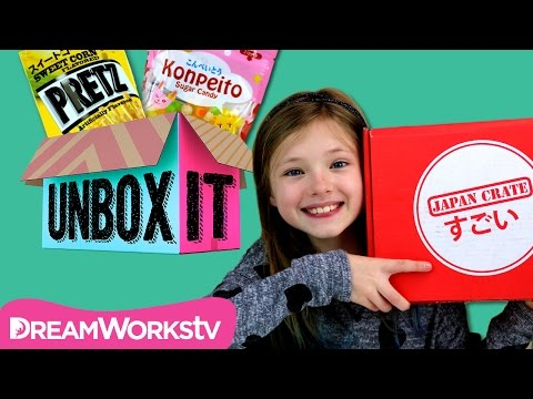 Japan Crate Crazy Snack Taste Test with The Mal Web | UNBOX IT