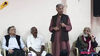"""Girish Karnad: """"No one has the right to curb our freedom of expression"""""""
