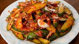 Spicy cucumber side dish (Oi-muchim: 오이무침)