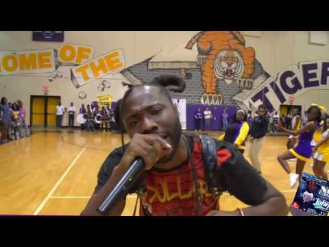 kNOw CASH visits his old high school and they are TURNT for Homecoming!