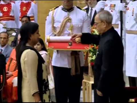Amitabh Bachchan, Prince Karim Aga Khan receive India's second highest civilian award