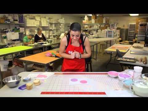 How to Create Giant Lollipop Decorations : Cookies & Dessert
