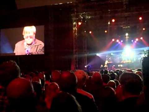 Elton John in Tromsø,  69° 42' North
