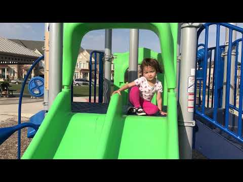 Family Fun at The Playground With Mommy - Learn Colors - Natalia Loves The Slide, Scarlett Runs Fast