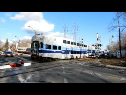 MONTREAL COMMUTER TRAINS ON VARIOUS LINES / MARCH - APRIL 2018