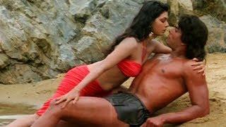 Hemant Birje And Kimi Katkar  Scene - Tarzan - Romantic Scene