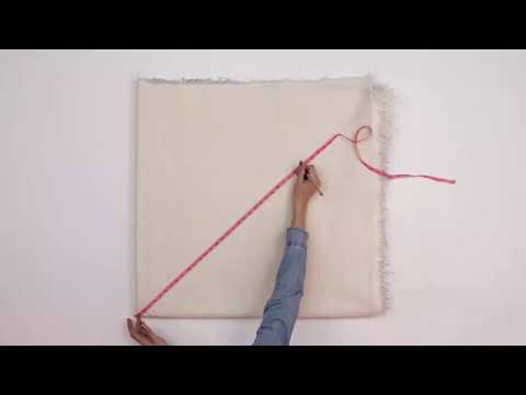 How to Make a DIY Faux Fur Tree Skirt