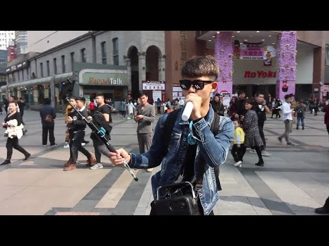 Greatest vlogger from China!