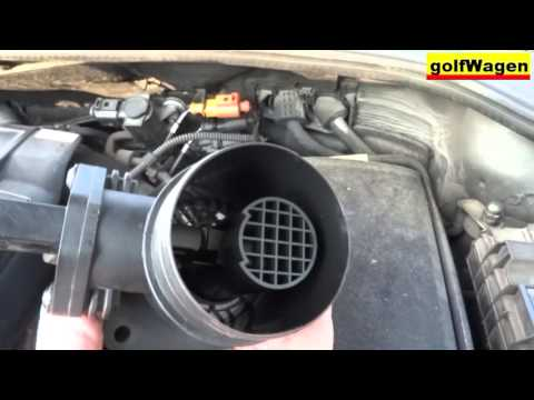 MASS AIR FLOW sensor replace on VW Golf 5 / check engine code P0100