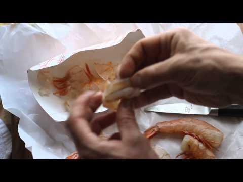 cleaning headless shrimp
