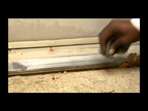 Advanage cleans aluminum door, Brass door knob