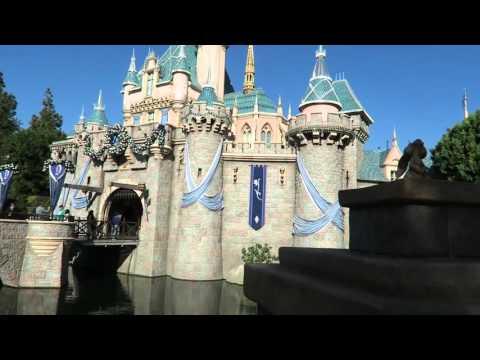 DISNEYLAND VACATION 2015 - DAY 2 - PART 1: Finding Nemo Submarines, Autopia & Castle Tour!