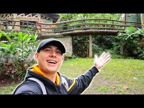 EXPLORING A ZOO IN COSTA RICA