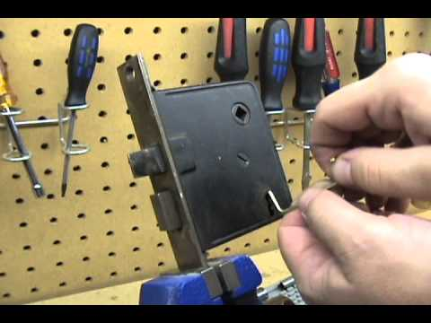 1 Lever Mortise Lock Picked