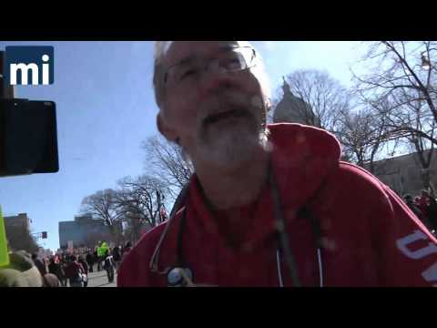 Wis Doctors Hand Out Fake Excuses to Protesters