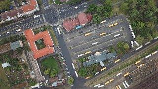 Így lőnek ki a buszok a nyíregyházi állomásról