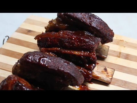 Cooking on a Traeger Pellet Grill - Beef Ribs and Chuck Roast