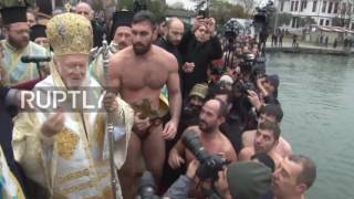 Turkey: Orthodox believers brave Istanbul's freezing waters for Epiphany