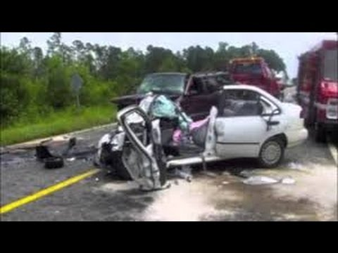 Truck and Car Crashes Compilation Winter - January 2017