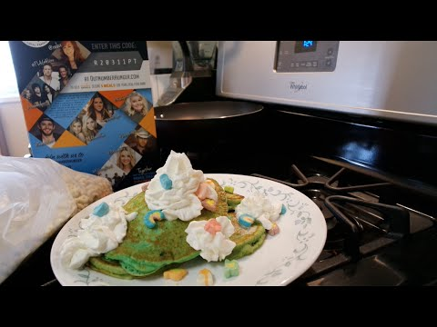 St  Patrick's Day Lucky Charms Shake & Pancakes!