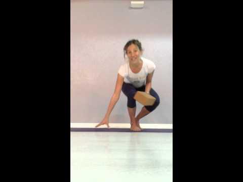 Top 3 Yoga poses for sacroiliac (SI) joint pain with Rachel Krentzman PT,ERYT
