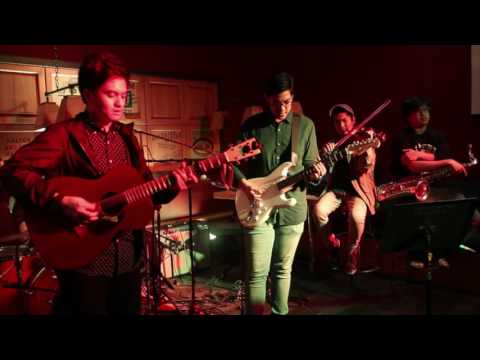 Tom's Story feat. Clara Benin, Poch, Keifer and Miguel -