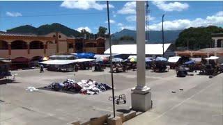 Masiva afluencia de compradores en Mercado de Planes de Minerva