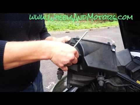 How to change Mass Air Flow (MAF) sensor on Audi A6 (C6 4F)