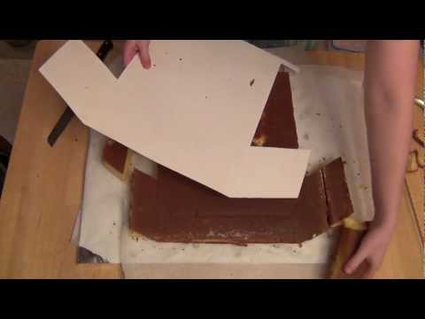 How to Make a T-shirt Shaped Cake
