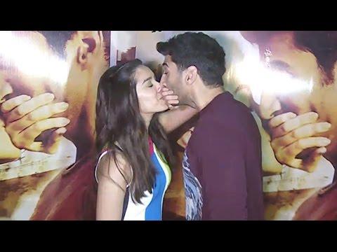 Xxx Mp4 Aditya Roy Kapoor And Shraddha Kapoor Kissing In Public At Ok Jaanu Movie Promotion 3gp Sex