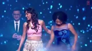 Manwa Laage - Neeti Mohan Live performance in Happy new year music launch