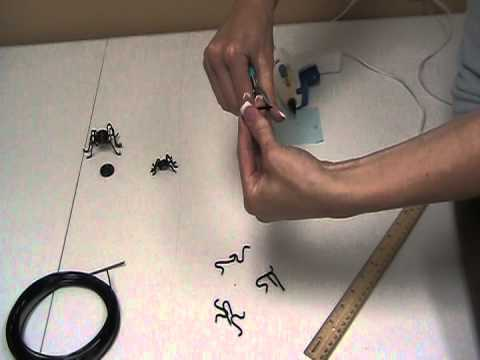 How to Make a Spider Out of Wire for Crafting