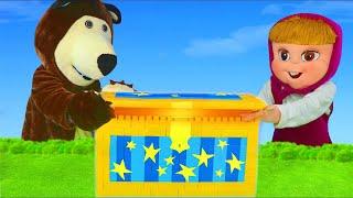 Masha et Michka jouets - Maison, Ambulance, Poupee, Peluche - Masha and the bear toys unboxing
