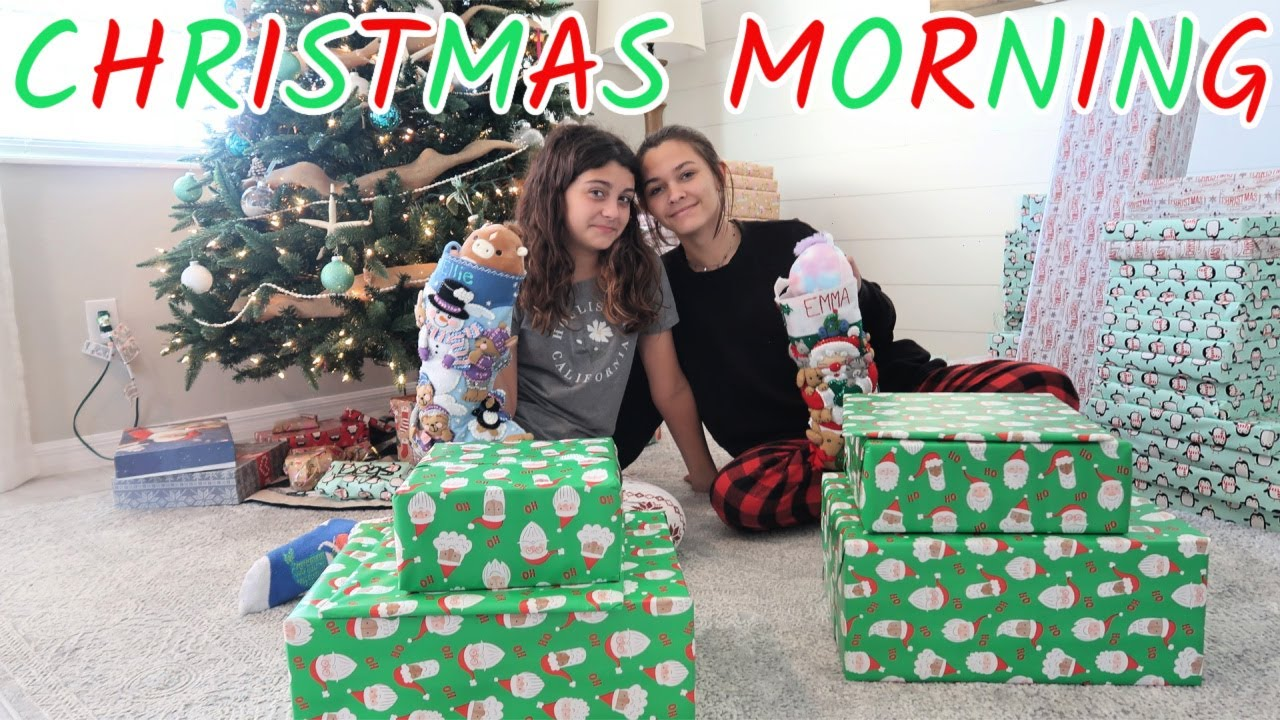 CHRISTMAS MORNING 2020! WHAT I GOT FROM SANTA! EMMA AND ELLIE