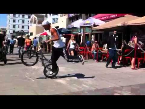 Venice bicycle freestyle