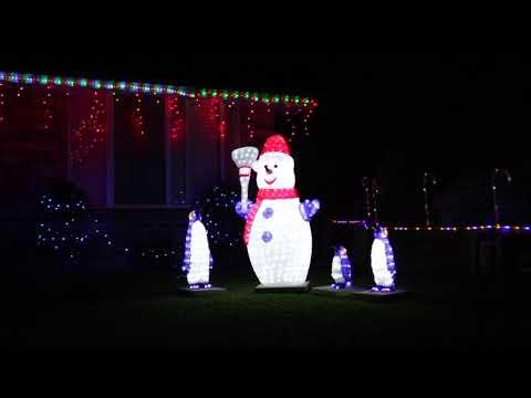 The BEST Christmas Light Show Displays (2018) - Epic Xmas Lights, Amazing Music!