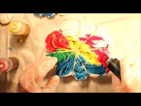 Review: Tulip Tie Fabric Dye Kit, Classic - DIY Swirly Tie-Dye T-Shirts | How To | Tutorial