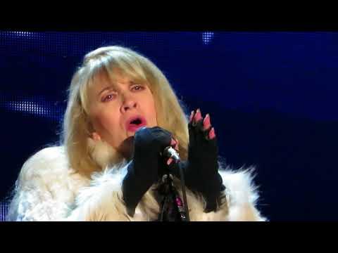 Stevie Nicks - Moonlight (Adelaide, 4 Nov 2017)