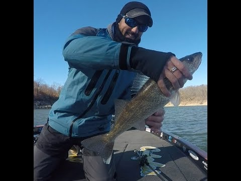 Fishing Oklahoma in December - Bass, Walleye, and Crappie!